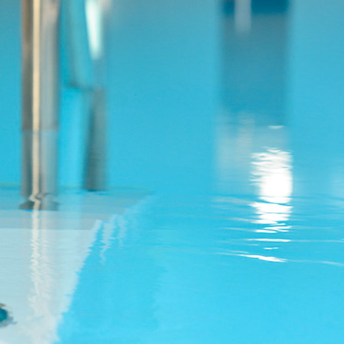 Swimming Pool im Wellness Bereich